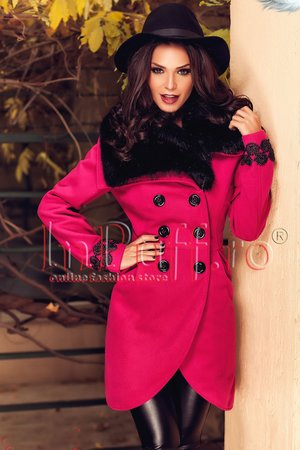 palton roz cu broderie