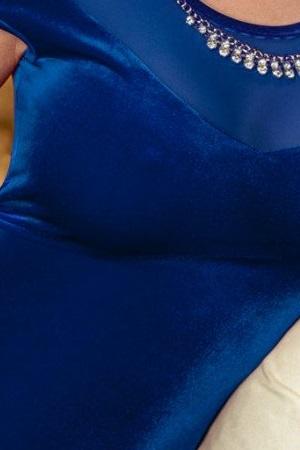 Catifea albastra