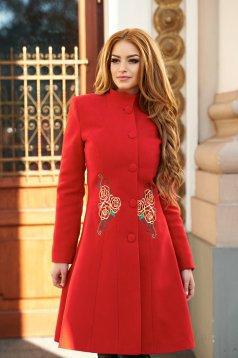palton rosu brodat