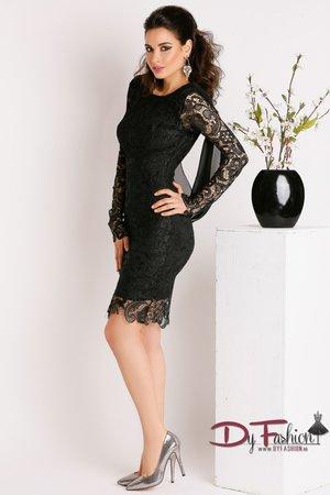 rochita neagra scurta
