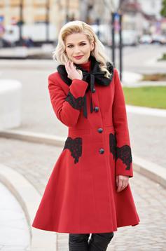 palton rosu de iarna