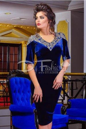 rochie albastra din catifea