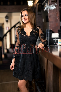 rochie scurta neagra