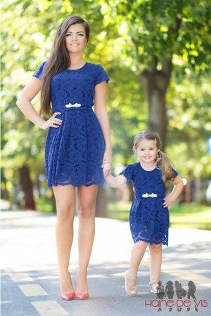 rochii albastre mama fiica