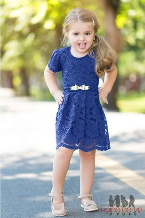 rochita albastra fetita