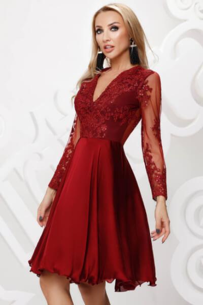 rochie dantela rosie din tull
