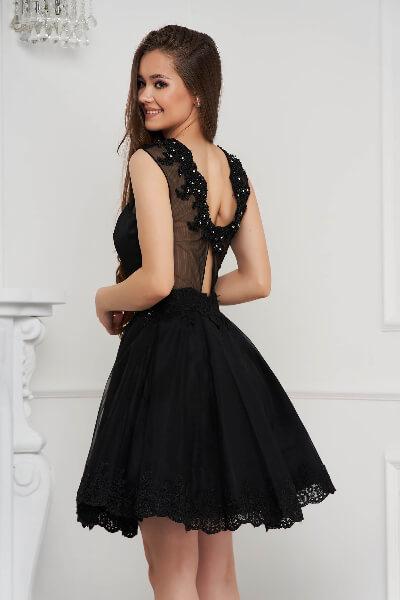 rochie neagra scurta in clos
