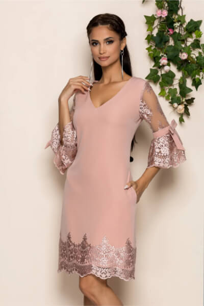 rochie roz din dantela delicata