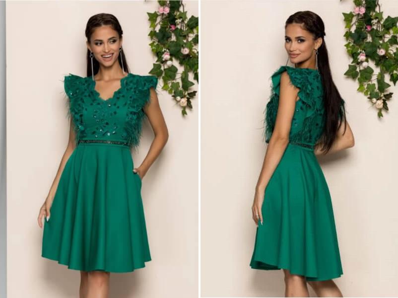 rochie verde cu aplicatii stralucitoare