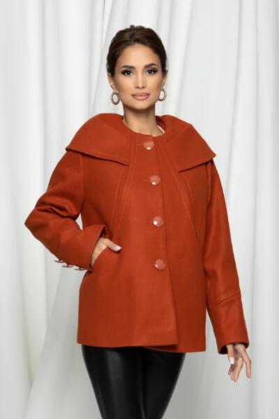 Palton caramiziu cu guler rulat