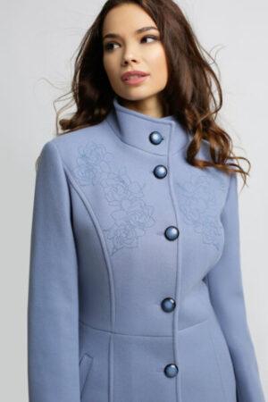 Palton din amestec de lana cu broderie albastru lavanda